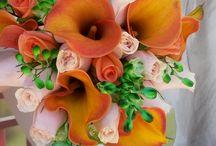 Πορτοκαλί Chic Wedding / Πορτοκαλί Chic...Αν το χρώμα που θα χρησιμοποιήσετε στο γάμο σας είναι πορτοκαλί, η απλότητα που έχουν οι mango κάλες, θα δώσουν έναν αέρα chic ρομαντισμού.