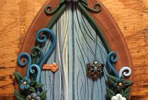 Fairy doors and gardens / Little enchanted doors