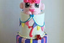 lip cake