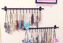 { Jewelry organization ]