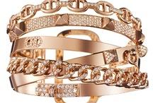 Jewelry Ω Accessorize