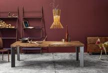 M15 / M15 è l'innovativo programma di tavoli e complementi personalizzabili in legno massello. Piani, gambe e svariati colori pensati e abbinati in completa autonomia.