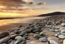 Snowdonia beaches / Snowdonia is famous for its mountains. But it also has a glorious, long coastline, boasting sandy beaches, rocky beaches, wide beaches, long beaches - every type of beach you can think of!