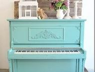 Maalattu piano