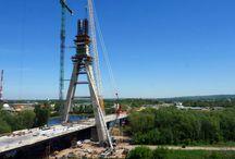 Most na rzece Wisłoku w Rzeszowie cd. / W Rzeszowie dobiega końca budowa żelbetowego pylonu podwieszonego mostu na Wisłoku. Obecnie na budowie trwa wykonywanie 6 etapu części wantowej pylonu, tj. 93 m. Do realizacji obiektu ULMA Construccion Polska S.A. dostarczyła hydrauliczny system samowznoszący ATR