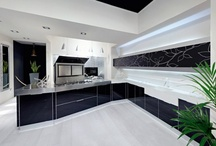Kitchens / by Barbie Paty