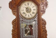 Clocks / Mainly old clocks (mantel, chemin, with or without pendule)  old watches and  alarm clocks