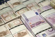 Fotos de dinero / Tablero en el que puedes encontrar fotos de dinero, imagenes de dinero y billetes.