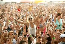 Last Minute Festival Must Haves  / With no showers or electrical appliances, look good @ the weekend with The Healthcounter