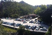 Exterior del Camping Playa de La Franca Bungalows (Asturias) / Entrada y parking en el exterior del Camping Playa de La Franca Bungalows en el Oriente de Asturias...A poquísimos metros de una de las playas más bonitas del Norte / by Camping Playa de la Franca Bungalows-Asturias