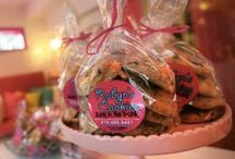 Cookie Calendar / Sharing the Toronto Star's annual Cookie Calendar recipes. Happy baking!