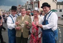 Walkabout Entertainment / Laurel and Hardy Lookalikes with close-up magic - Tel: 07977 008 546 - Available for indoor and outdoor events