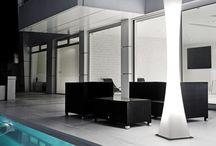 Exterior y pasillos / Ambientes con iluminación de Pujol Iluminación.