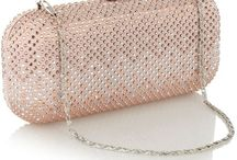 Beaded Bags / by Evelyn Moreau