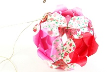 Origami Kusudama / by Bettina van der Jagt