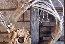 Wreaths / by Leslie Monden