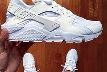 스니커즈 (Sneakers)