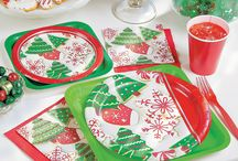 Christmas Party Ideas / Christmas party ideas filled with holiday recipes, DIY Christmas party decorations, party favor ideas and so much more. Your very merry Christmas party starts here!