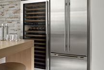 Refrigerator Buying Guide / Our Refrigerator Buying Guide is built to help you every step of the way, as you sort through the many innovative features and style selections from a multitude of brands.