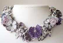 háčkované náhrdelníky