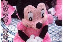 ミニーちゃんの編みぐるみ