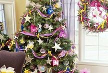 Christmas Decorations in the City / Christmas home decoration inspiration and holiday meal ideas / by Styled by Dionne Dean