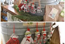 Holiday Home Tours / Homes decorated for christmas / by Laura Holt