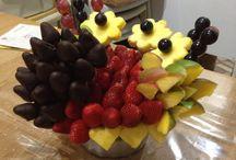 Meyve çiçek / Taze meyve ve çikolatadan oluşan meyve aranjmanları  Lezzet ve sanat birarada.... www.magicfruitflowers.com