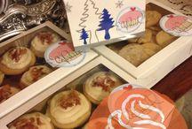Seasonal Sweets / Nuestros deliciosos postres con un toque de fiesta.