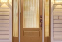 Classic-Craft Oak Collection / With warm wood grains, Classic-Craft Oak premium fiberglass entryways are designed as the perfect complement to homes with Traditional styling.