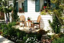 Outdoor Retreats / Outdoor Garden Living Spaces