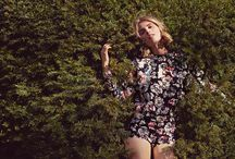 """Tara Jarmon FW14-15 Campaign / Pour l'Hiver prochain, la femme Tara prend un nouveau départ. Belle et rebelle, elle s'affranchit des codes et des stéréotypes. Elle prend le large telle une héroïne du cercle des poètes disparus. """"Carpe Diem"""" est sa devise. Elle s'émancipe, fait fi des interdits. Sa silhouette joue les superpositions moelleuses et précieuses. Elle se rêve héroïne de contes et légendes, sensuelle, sauvage et très féminine à la fois. La nature est son royaume.  © Photos Diane Sagnier"""