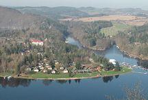 Slapy / Vodní nádrž Slapy je naše české moře. Dnes i zde najdete místa, kam se vyplatí jet na dovolenou.