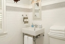 JIll's Bathroom / by Liv Newman