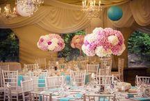 Svadbička Zuzky a Loránta v záplave kvetov v odtieňoch Tiffany blue a ružovej