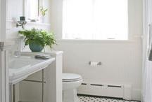guest bathroom / by Robyn McLaughlin