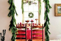 Holiday Table Decor / Decorating your table for the holidays.