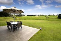 Outdoor Living / Embrace New Zealand's beautiful outdoors in these home environments.