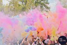 We Are Color / Un grupo de rebeldes encontraron un lugar para levantarse contra la oscuridad. Donde bailamos, reímos, amamos y somos nosotros mismos.