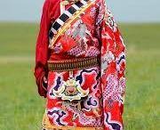 Tibeťané a tibetské oděvy / Tradiční i moderní Tibeťané a tibetské oděvy