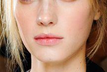 Minimalism Makeup