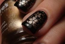 nails / by Rosanna Handy