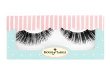Tigress Lashes / Graduate from kitten to queen of the jungle by sporting these lush, voluminous lashes densely woven along the outer edge to create a wildcat eye winged to perfection.   Hand made from 100% human hair, this light to thick Tigress lash look will give your eyes more than 9 lives. Meow!
