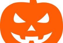 Halloween / Die Tage werden kürzer, die Nächte länger, Halloween rückt näher … Unsere genialen Fensterbilder verwandeln Ihr gemütliches Haus in einen Ort des Schreckens und dies schon von außen! #Halloween #Kürbis #Fledermaus #Vampire