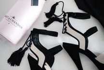 Style - Shoe Obsession / by Melissa Sweet-Leavins