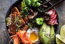 Koreaanse recepten/Korean food / De Koreaanse keuken past heel goed bij mij omdat er heel veel groenten in gerechten worden gebruikt. Bibimbap vind ik een geweldig gerecht en ik wil meer leren over de Koreaanse eetcultuur.