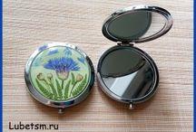 Зеркала в разных техниках.