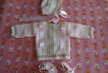 Trabajos hechos / Preciosos trajes de bebé en lana, únicos y originales, no hay dos iguales.