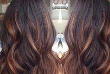 Haarfarbe und Frisuren