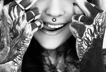 Tatuaże u kobiet / Piękne kobiece, wytatuowane ciała/
